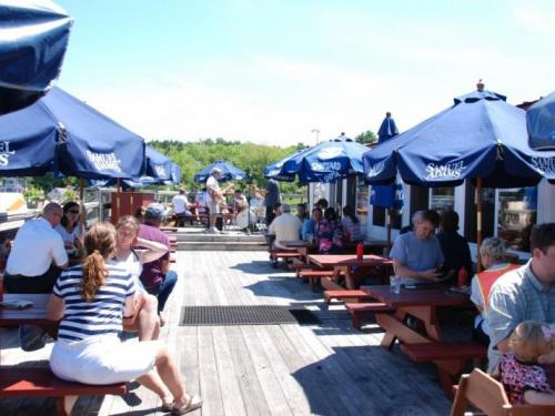 Robinson's Wharf & Tug's Pub