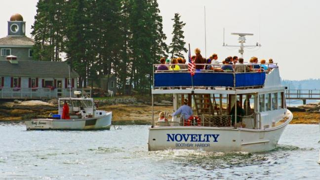 harbor tour boat trip