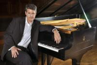 Clasical pianist Stephen Porter